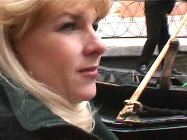 3/28/2000 7:36 AM, Paris, Gwen, Gondola